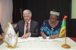 USD 1.5 billion framework agreement signed between H.E. Hadizatou Rosine Coulibaly Sori, Mi....jpg
